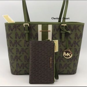 NWT Michael Kors MD Tote Set